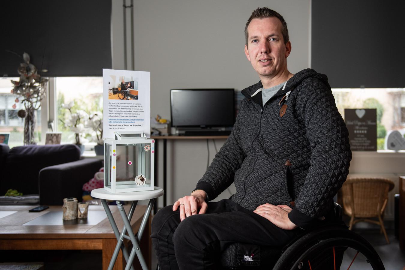 Roy Scholten ging op bezoek bij de man die de donaties voor zijn operatie spoorloos liet verdwijnen.