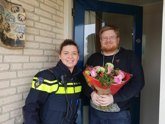 De politie heeft de pompmedewerker bedankt voor zijn heldhaftige optreden.