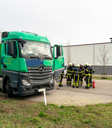 Vrachtwagenchauffeur raakt gewond tijdens koken in Oosterhout, politie ontdekt openstaande celstraf