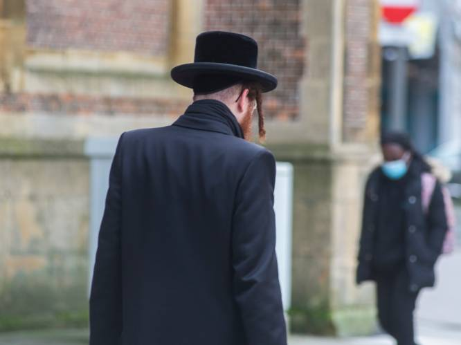 """Waarom de ultraorthodoxe joden naar de synagoge blijven gaan: """"Groepsdruk, diep geloof en koppigheid"""""""