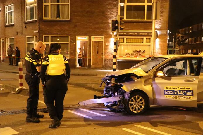 Twee gewonden na aanrijding op de Kardinaal de Jongweg in Utrecht