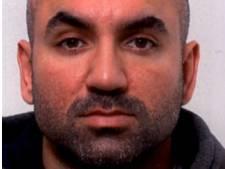 Politie deelt foto's van voortvluchtige moordverdachte Cor Pijnen (36)
