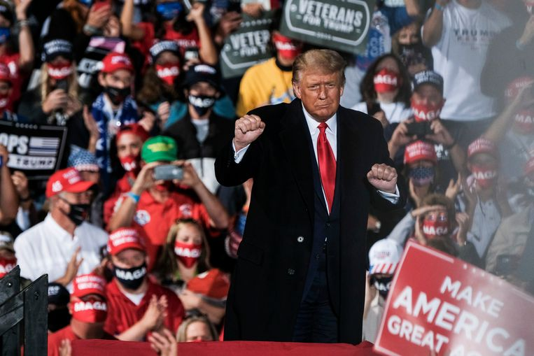 Donald Trump tijdens een campagnebijeenkomst. Beeld Getty Images