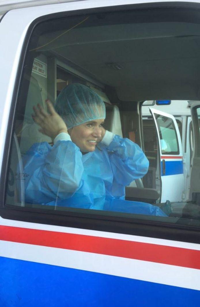 Twee van de vier ambulanceteams komen uit de regio Zuid-Holland Zuid, waar Dordrecht onder valt. ,,Na een drukke periode is hun hulp meer dan welkom'', zegt staatssecretaris Paul Blokhuis (VWS).