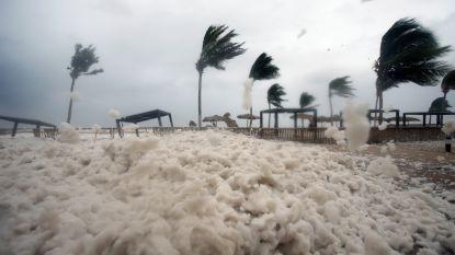 Twee doden door cycloon in Oman