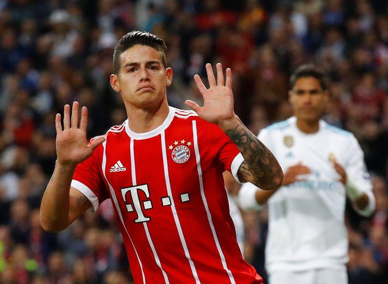 James Rodriguez wuift Bayern München uit.