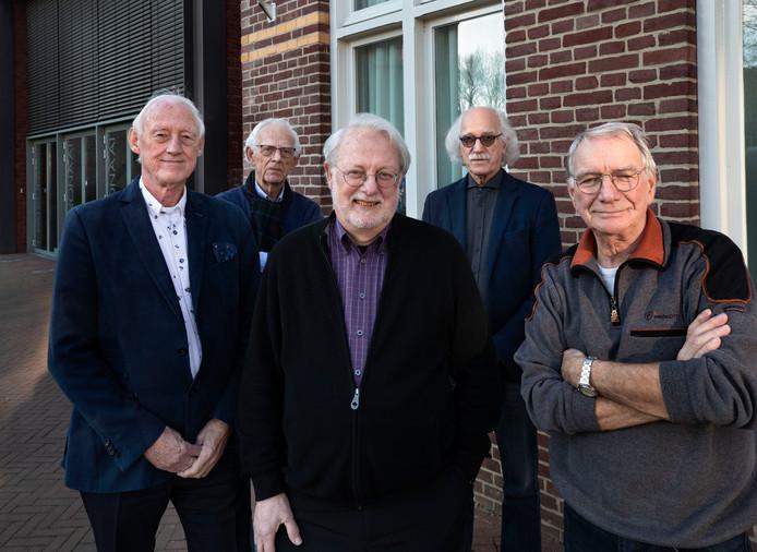 De oprichters van het Jazz Café in Mierlo. V.l.n.r.: Jaap Veneman, Hans Zwart, Erik Mastenbroek, Johan Kuijten en Mart Schuiteman.