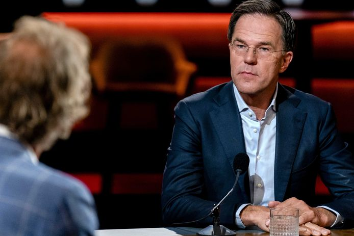 Premier Rutte is te gast bij een extra uitzending van talkshow Op1.
