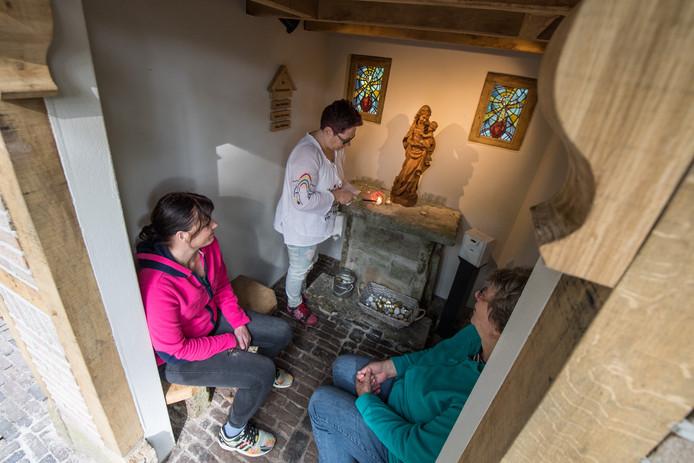Nieuw kapelletje bij Vereniging 't Helmgras, mede gemaakt door de cliënten van de naastgelegen 'zorgkwekerij'.