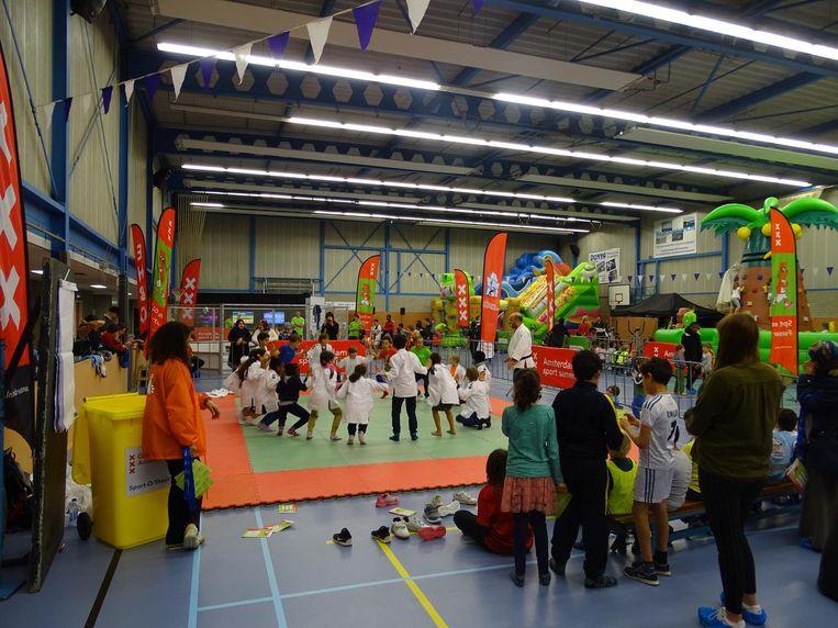 De Sport- en Funtour strijkt deze vakantie neer in Noord en Oost Beeld Gemeente Amsterdam