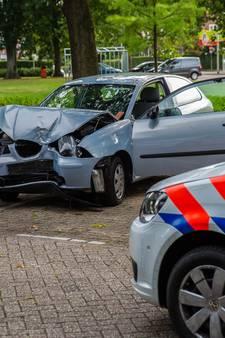 Drie man aangehouden na conflict in Roosendaal waarbij auto boom ramt
