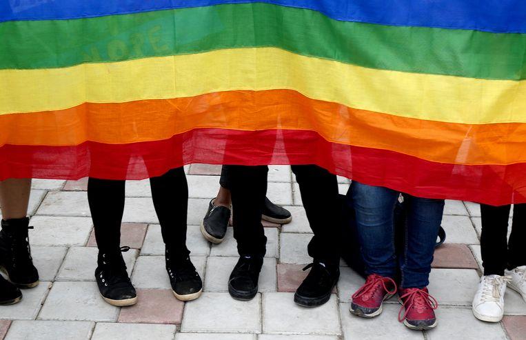 Wat telt als lesbische sex kantoor massage Porn