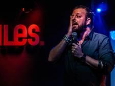 Amerongse cabaretier Arjan Kleton begint met thuiswedstrijd aan tournee