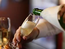 De perfecte manier om een champagnefles te openen