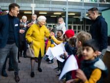 Koningin Paola krijgt muzikaal welkom in Antwerpse basisschool De Wereldreiziger