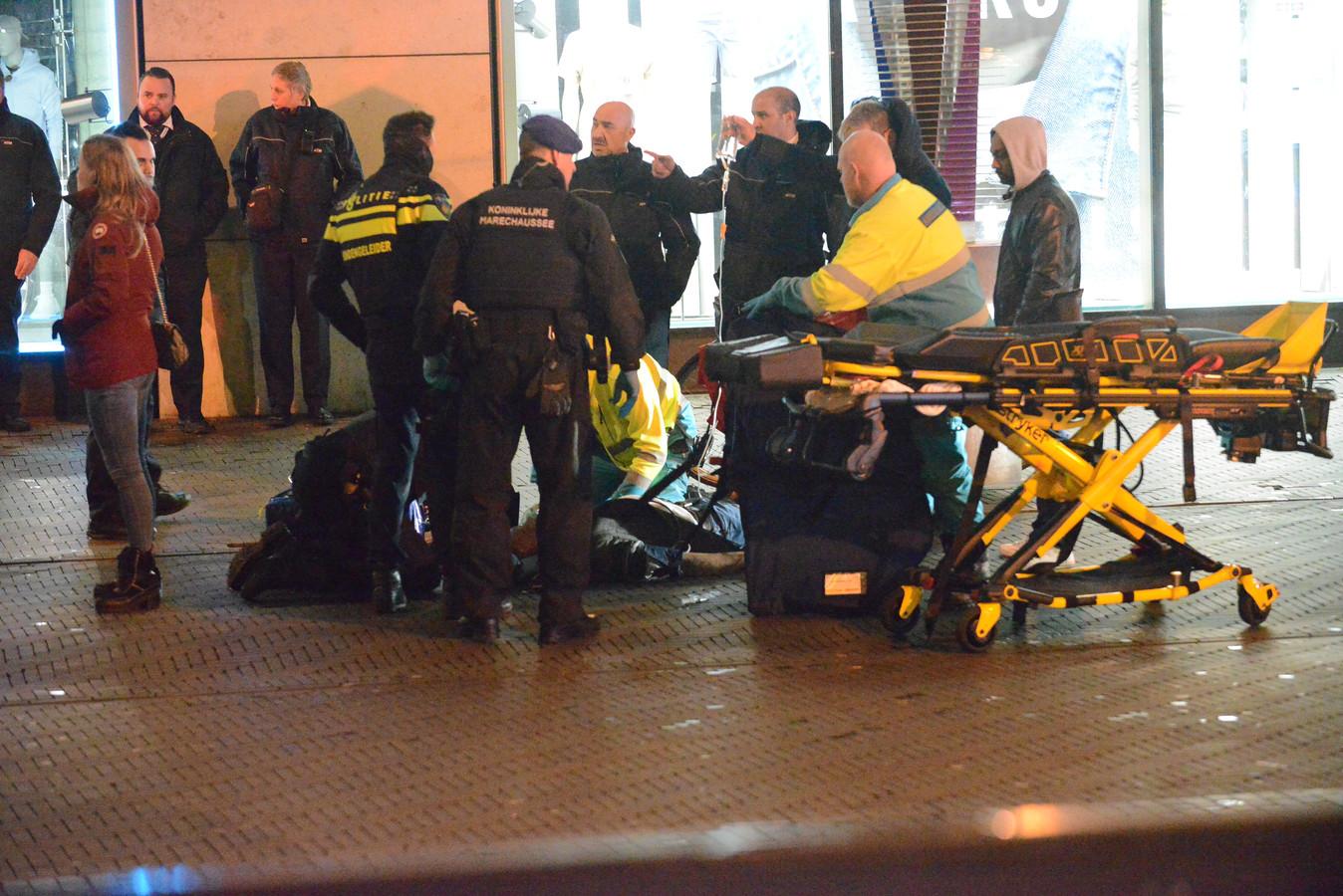 De fietser viel bij het Spui en raakte bewusteloos