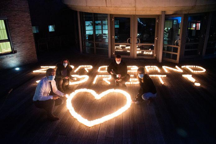 Zorgband Leie & Schelde stak 900 kaarsen aan voor alle medewerkers in haar woonzorgcentra.