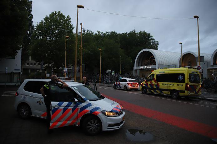 Hulpdiensten rukten massaal uit voor het incident bij station Gouda.