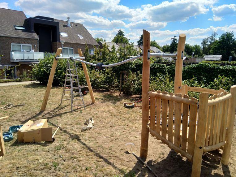 De nieuwe speeltoestellen aan de Kattestraat in Beveren-Leie.