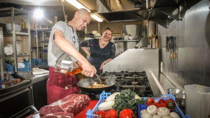 """Dorpsstraat, deel 5: """"We namen in volle midlife de meest dwaze maar ook beste beslissing ooit. Dit restaurant is onze droom"""""""