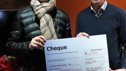 Oprichters Houtemvrienden stoppen en schenken 2.000 euro aan vzw De Toevlucht