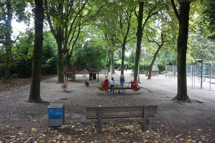 Het verwaarloosde park in 2015.
