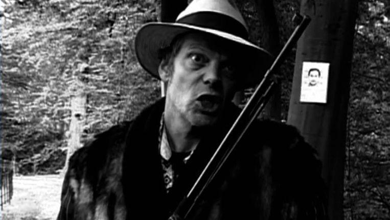 De Amsterdamse zanger Cees Koldijk in zijn video clip 'Evil man from Krabi' Beeld Cees Koldijk/YouTube