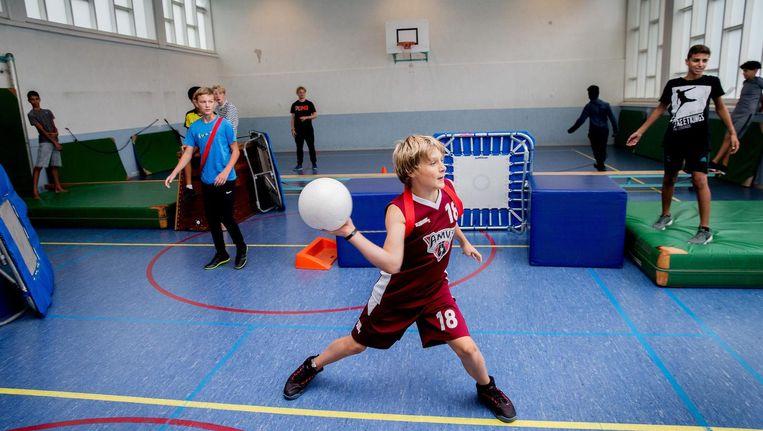 Op Spring High in Nieuw-West hebben de leerlingen elke dag een sportuur Beeld Jean-Pierre Jans