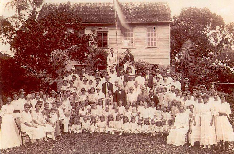 De viering van 75 jaar boerenkolonisatie in 1920. Beeld Stichting Boeroe Kon Makandra