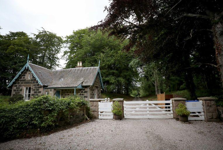 De ingang van het Wardhill Castle in Aberdeenshire.