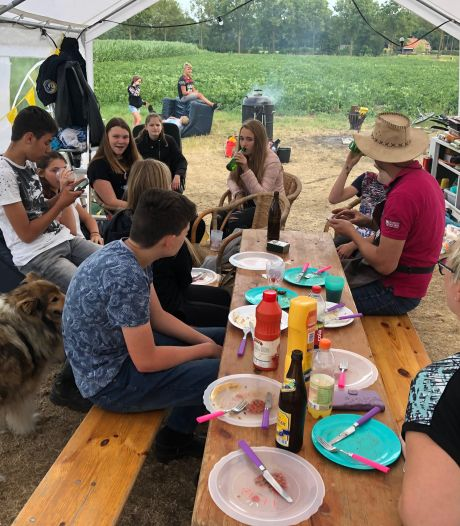 Kampeerfeest in Tubbergen mag alleen met coronaproof kampeerplan: Afstand houden leidend