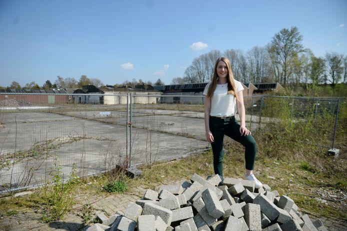 Voor haar afstudeeropdracht voert Lotte Alberink een onderzoek uit naar de mogelijkheden van herbestemming van de bedrijfshallen op het voormalige terrein van de firma Zwartz aan de Parallelstraat.