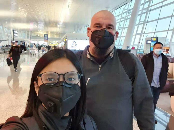David en Kela Wilmots uit Wuhan konden nog vertrekken voor hun al langer geplande vakantie in Vietnam