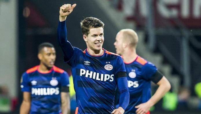 Marco van Ginkel na zijn treffer tegen AZ.
