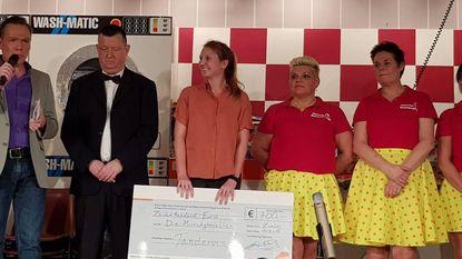 Die Munckghesellen schenkt cheque