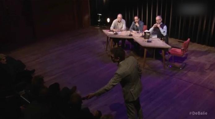 Still uit het filmpje van het debat.