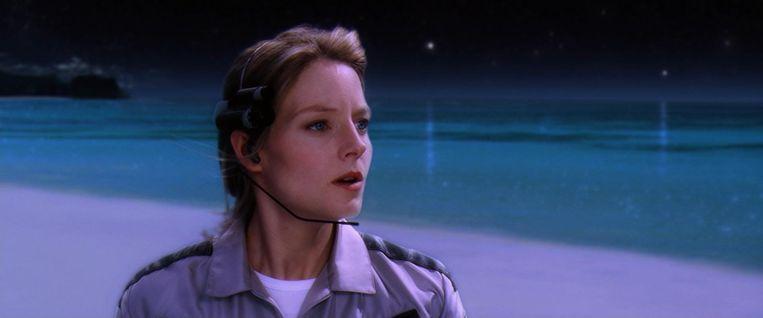 Jill Tarter stond model voor de jonge, ambitieuze radiosterrenkundige Ellie Arroway in het sciencefictionboek Contact (1985) van de Amerikaanse astronoom en SETI-adept Carl Sagan. In de verfilming van het boek (1997) wordt Arroway gespeeld door Jodie Foster. Beeld screenshot