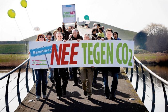 Archief: Een demonstratie in Barendrecht tegen een geplande CO2 opslag onder de grond.