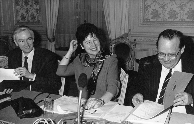 Aan de onderhandelingstafel in 1986.