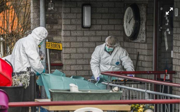 Er werd destijds grootschalig onderzoek gedaan in de woning van het slachtoffer.