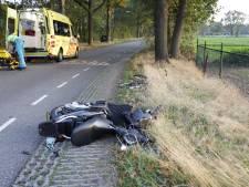 Scooterrijdster gewond bij botsing met auto in Wilbertoord