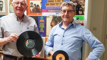 Dj's Luc en Johan halen vinylplaten nog eens boven voor nostalgisch T-dansant voor goed doel in Ename