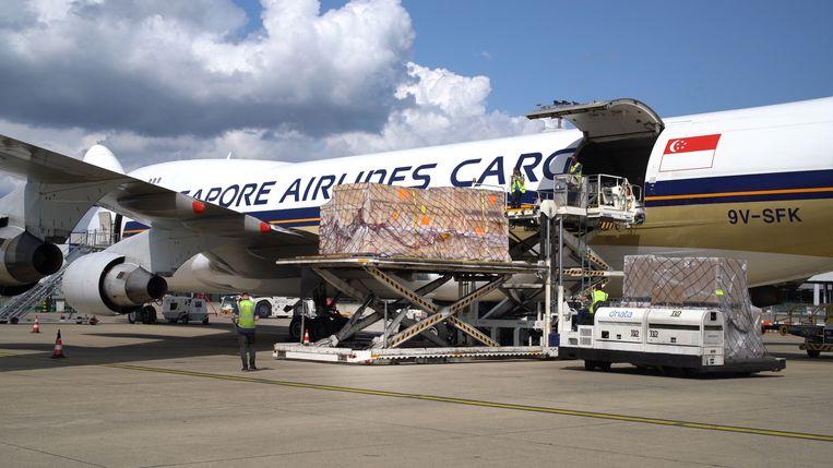 De zonnewagen werd in een speciale kist naar Australië gevlogen.
