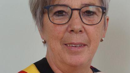 Greet De Roo legt opnieuw de eed af als burgemeester van Ruiselede