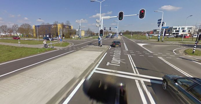 Het kruispunt Rillaersebaan, Turnhoutsebaan in Goirle.