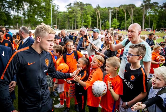 Donny van de Beek tijdens de Oranje Open Dag van de KNVB.