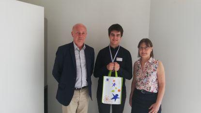 Brecht Boeykens van SMI haalt zilver op Junior Olympiade Natuurwetenschappen