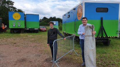 """Brechtse jeugdverenigingen krijgen ondersteuning van gemeentelijke uitleendienst: """"Kamp organiseren is enorme uitdaging"""""""