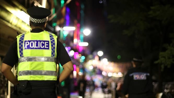 Britse moeder (84) en zoon (60) zitten wekenlang dood op sofa