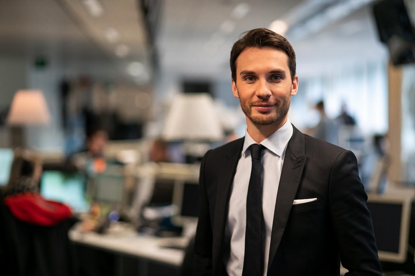 """Laurent Mathieu, présentateur de """"Questions à la une"""""""